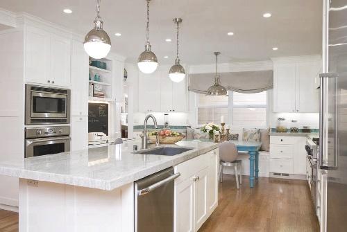 Кухня с освещением