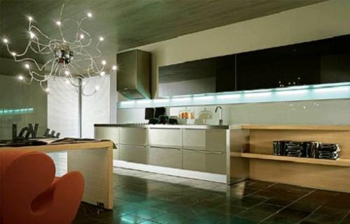 Кухня с освещением под шкафом
