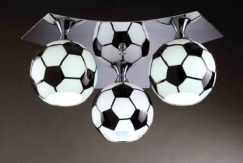 Люстра с мячами