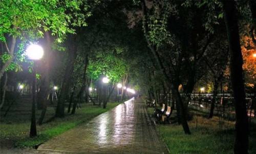 Освещение в парковой зоне