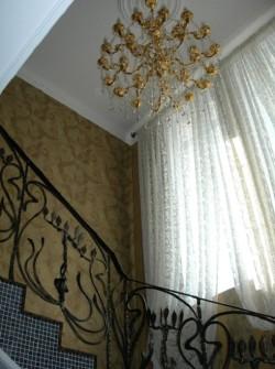Освещение над лестницей