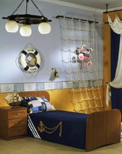 Люстра Венге в комнате
