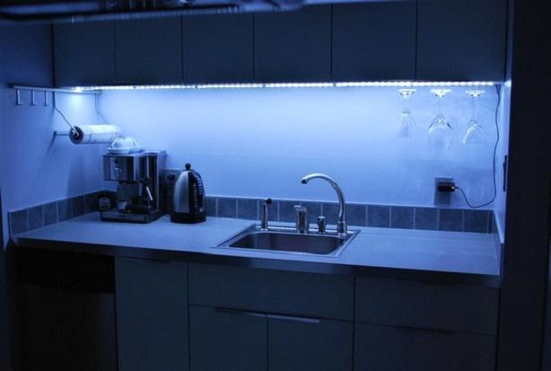 Освещение рабочей зоны на кухне: правила для комфорта 1posvetu.ru