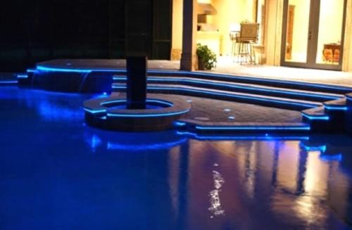 Светодиодный вариант подсветки бассейна