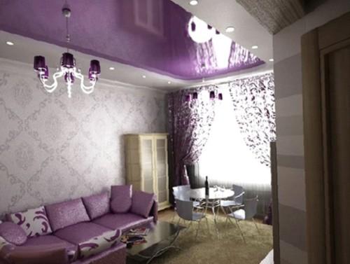 Интерьер зала с люстрой