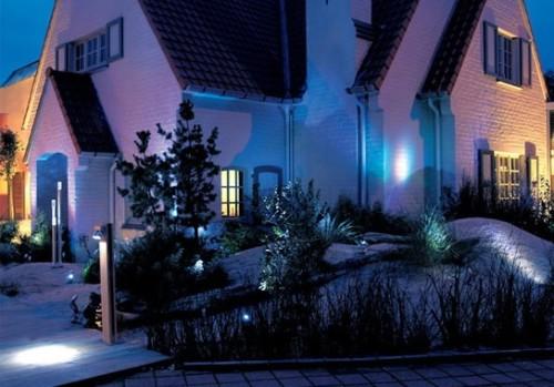 Освещение у дома