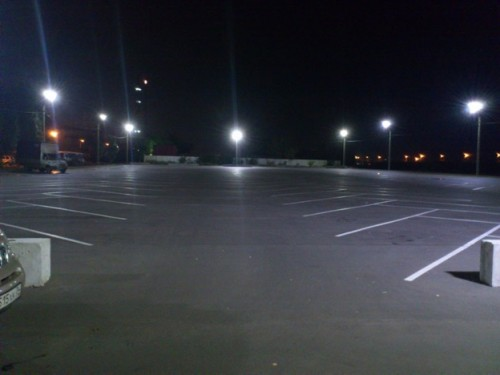 Прожектора на парковке
