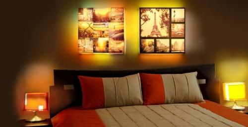 Настенный коллаж с подсветкой в интерьере комнаты