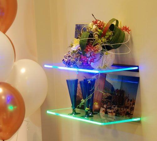 Полки со светодиодной подсветкой