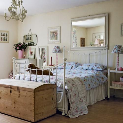 Люстра в спальне выполненная в стиле Варианты ламп в стиле «прованс»