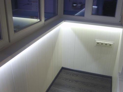 Скрытая светодиодная подсветка балкона