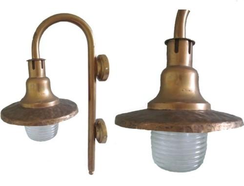 Самодельный светильник из старых устройств