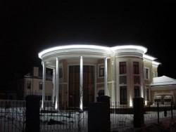 Вариант скрытой подсветки строения