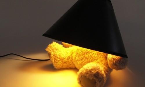 Светильник в виде мишки закрытого абажуром