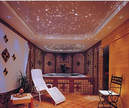 Вариант звездного неба в ванной комнате