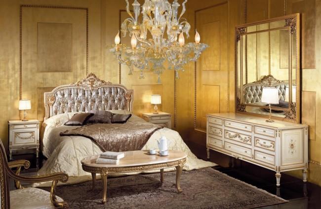 Комната с Итальянской люстрой