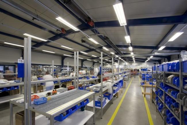 Вариант освещения промышленного помещения