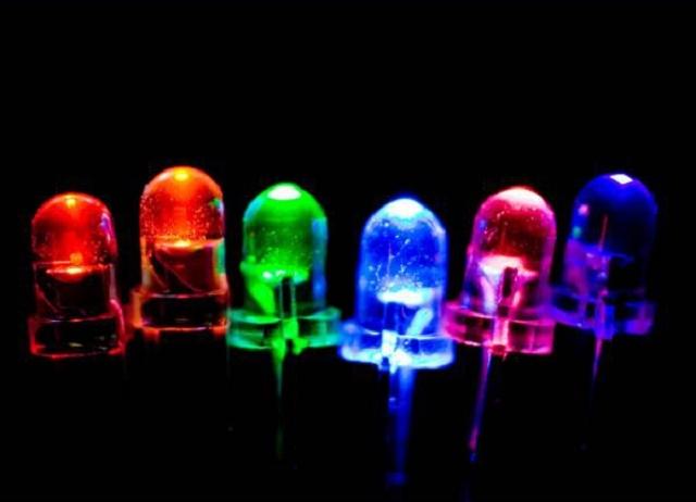 Разнообразие цветов свечения светодиодов