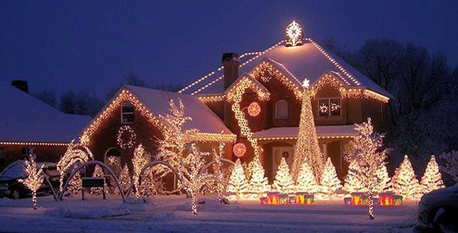 Новогодняя иллюминация дома