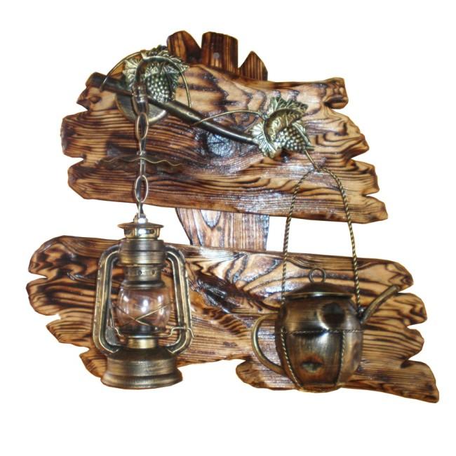 Самодельный деревянный светильник-вешалка