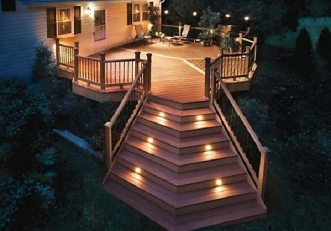 Подсветка ступенек частного дома