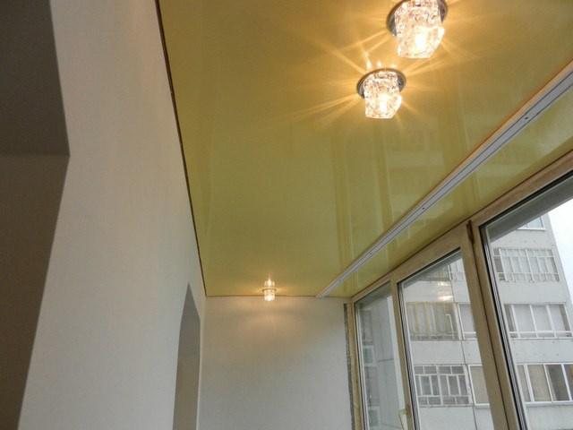 Пример потолочной подсветки лоджии