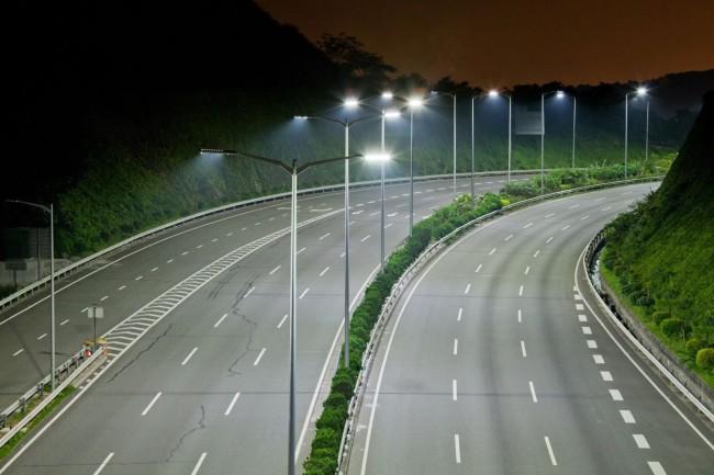 Правильно организованное освещение дорожного покрытия