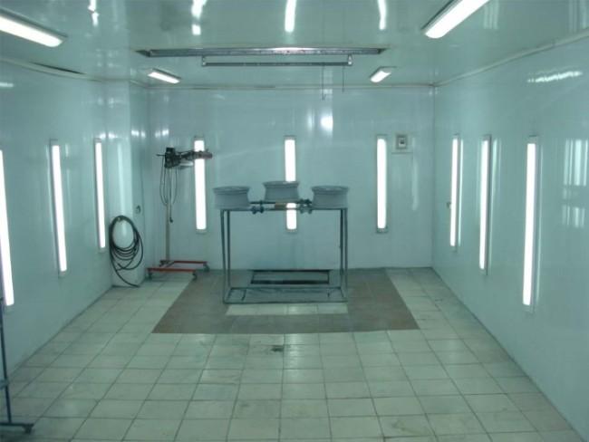 Пример боковой рабочей подсветки в помещении