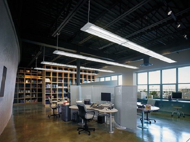 Искусственное освещения офисного помещения