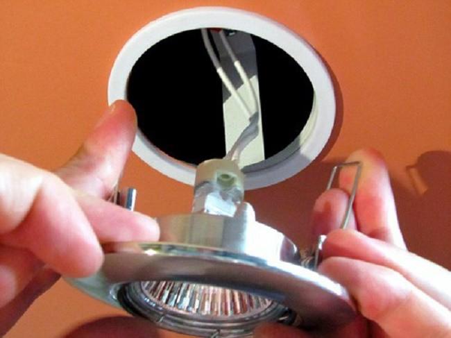 Подключение светильника к электросети