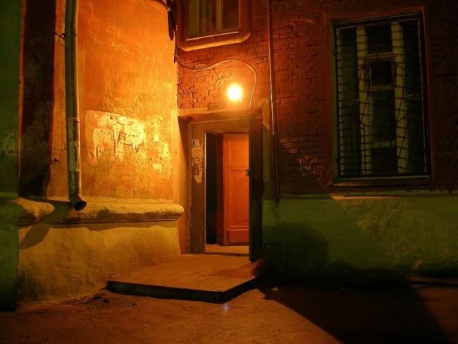 Освещения на входе в дом