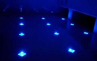 Светильники встроенные в пол