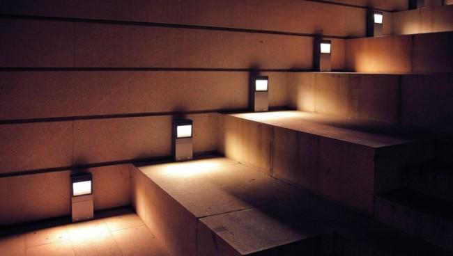 Лестница с подсветкой в ночное время