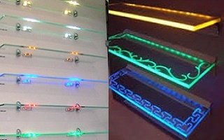 Стеклянные полки с подсветкой