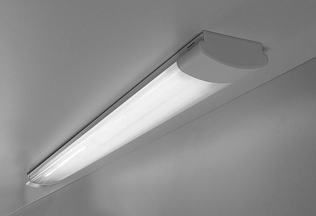 Свет от люминесцентного светильника