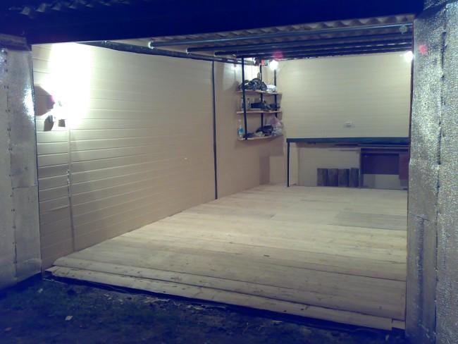 Автономная подсветка в гараже