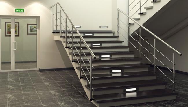 Внешний вид лестницы с аварийной подсветкой
