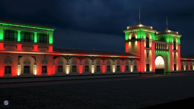 Внешний вид здания с наружной подсветкой