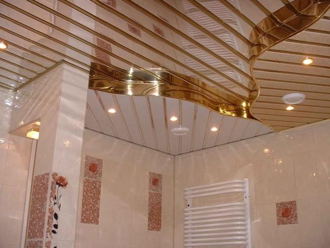 Комната в подсветкой в потолке