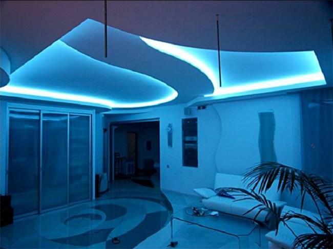Внешний вид потолка с полноценной светодиодной подсветкой