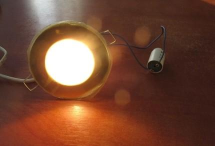 Внешний вид люминесцентной лампы