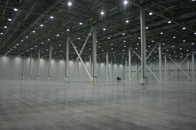 Равномерное освещение склада