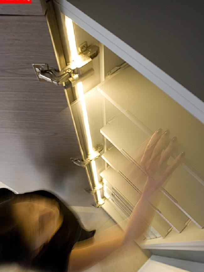 Подсветка внутри шкафчика