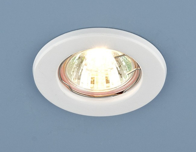 Внешний вид накладного точечного светильника