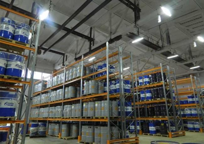Пример светодиодного освещения склада