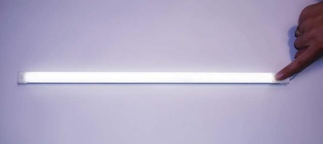 Внешний вид сенсорного линейного светильника