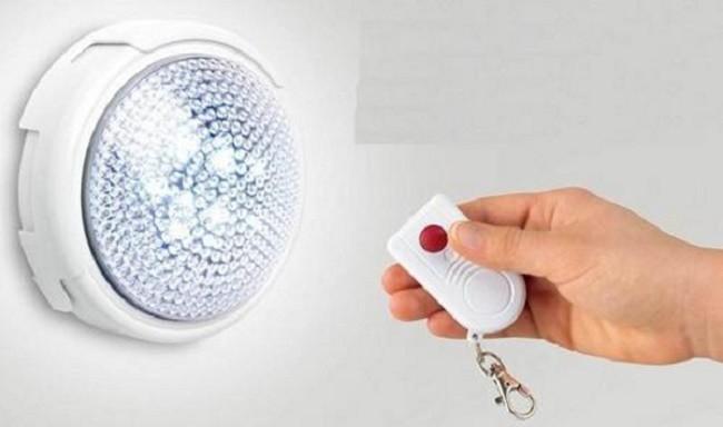 Настенный автономный светильник