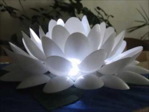 Светильник в виде цветка