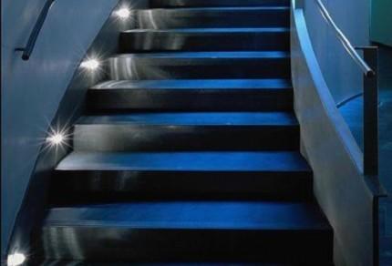 Освещение на лестнице