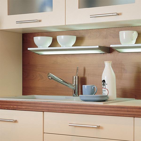 Полка-бра для подсветки кухни